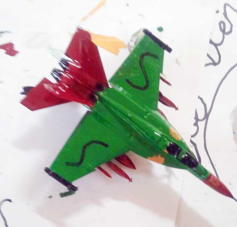 beschilderd model van een f18 straaljager