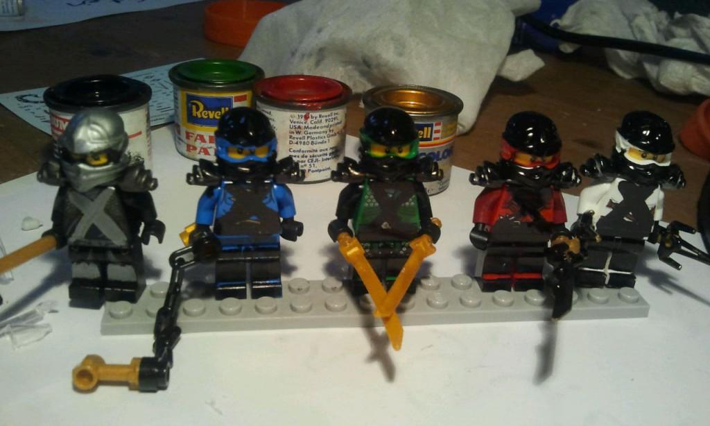 zelf beschilderde ninja's