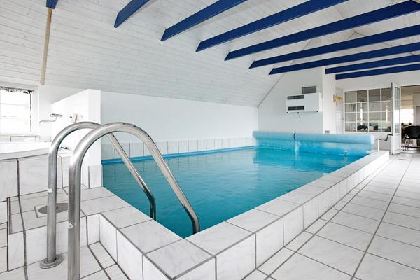 zwembad vakantiehuis Vrist